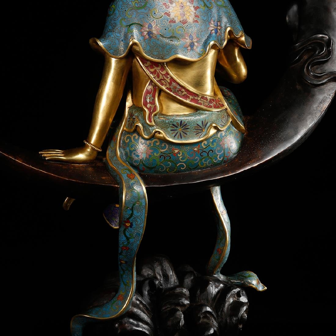 CHINESE CLOISONNE GILT BRONZE FIGURE OF GUANYIN - 10