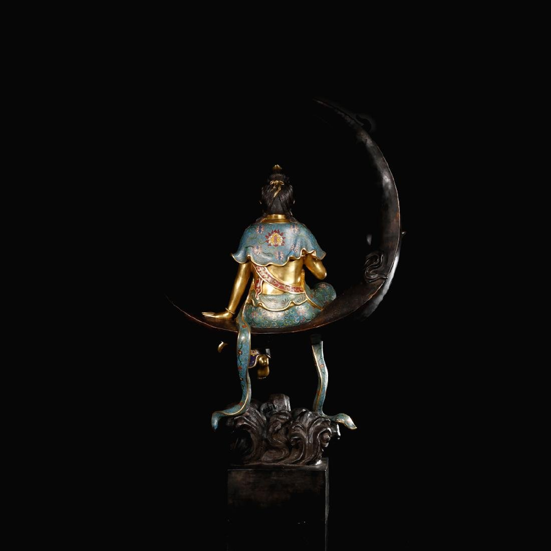 CHINESE CLOISONNE GILT BRONZE FIGURE OF GUANYIN - 3