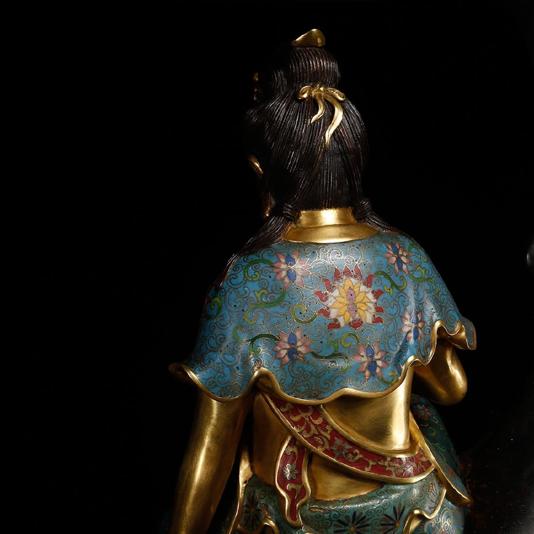 CHINESE CLOISONNE GILT BRONZE FIGURE OF GUANYIN - 9