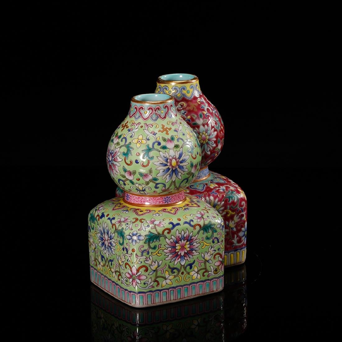 CHINESE FAMILLE ROSE DOUBLE VASE - 3