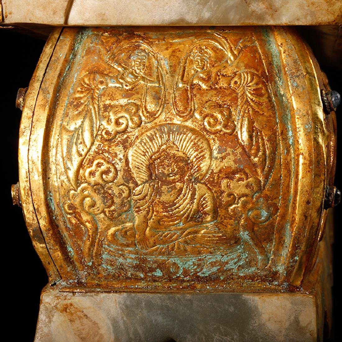 CHINESE JADE CASKET WITH GILT SILVER - 10