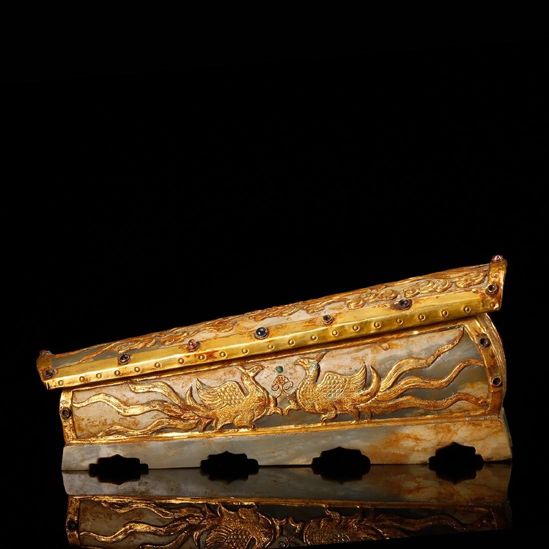 CHINESE JADE CASKET WITH GILT SILVER