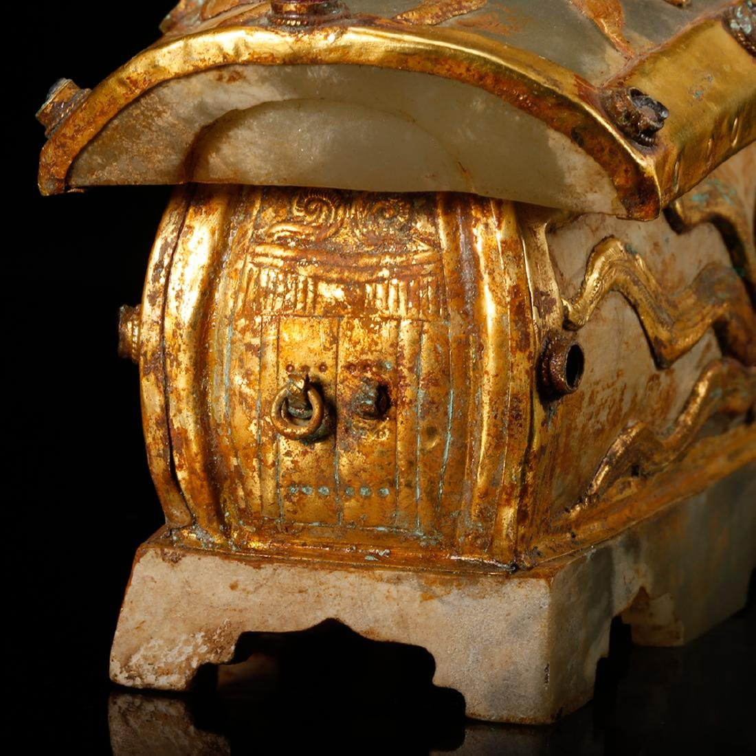 CHINESE JADE CASKET WITH GILT SILVER - 8