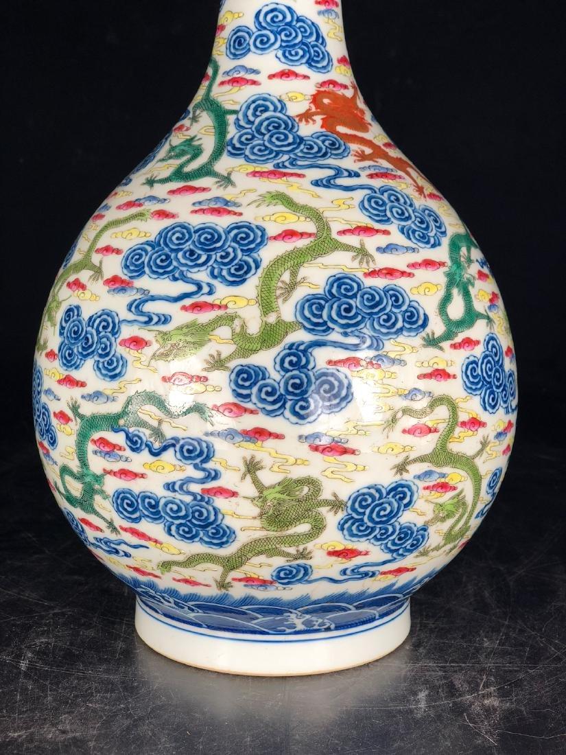 CHINESE BLUE WHITE FAMILLE ROSE LONG NECK VASE - 8