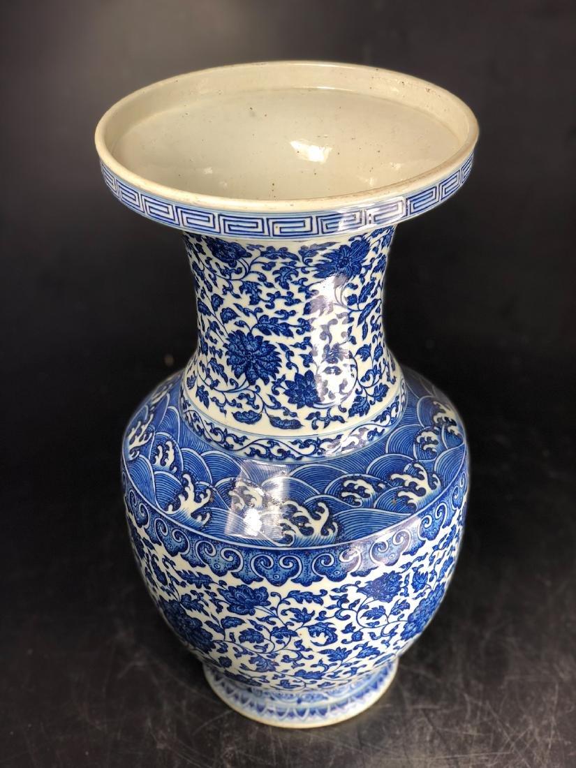CHINESE BLUE WHITE FOLIAGE PORCELAIN VASE - 5