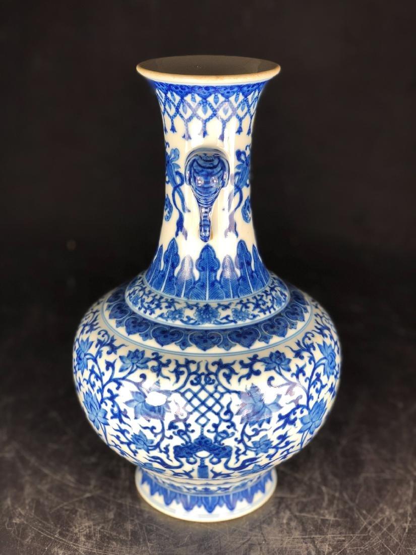 CHINESE BLUE WHITE FOLIAGE PORCELAIN VASE - 2