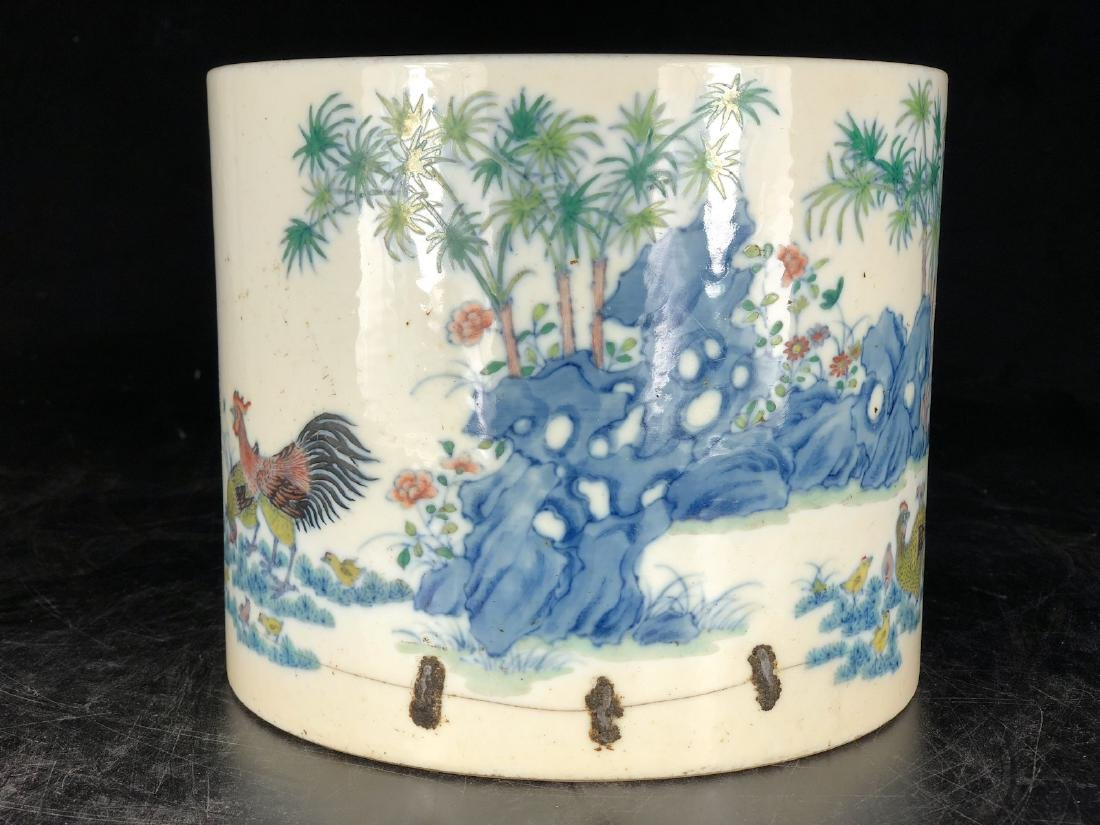 CHINESE BLUE WHITE DOUCAI PORCELAIN BRUSH POT