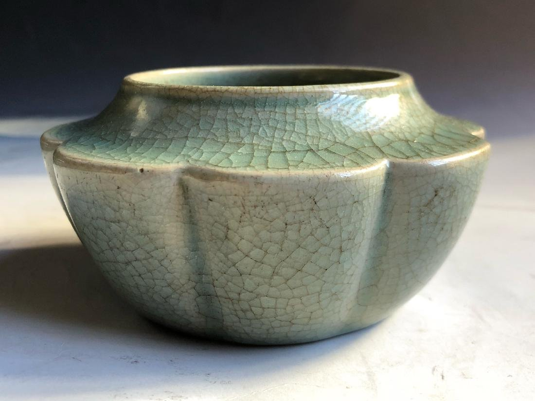 CHINESE CRACKLE GLAZED GE TYPE WATER COUPE