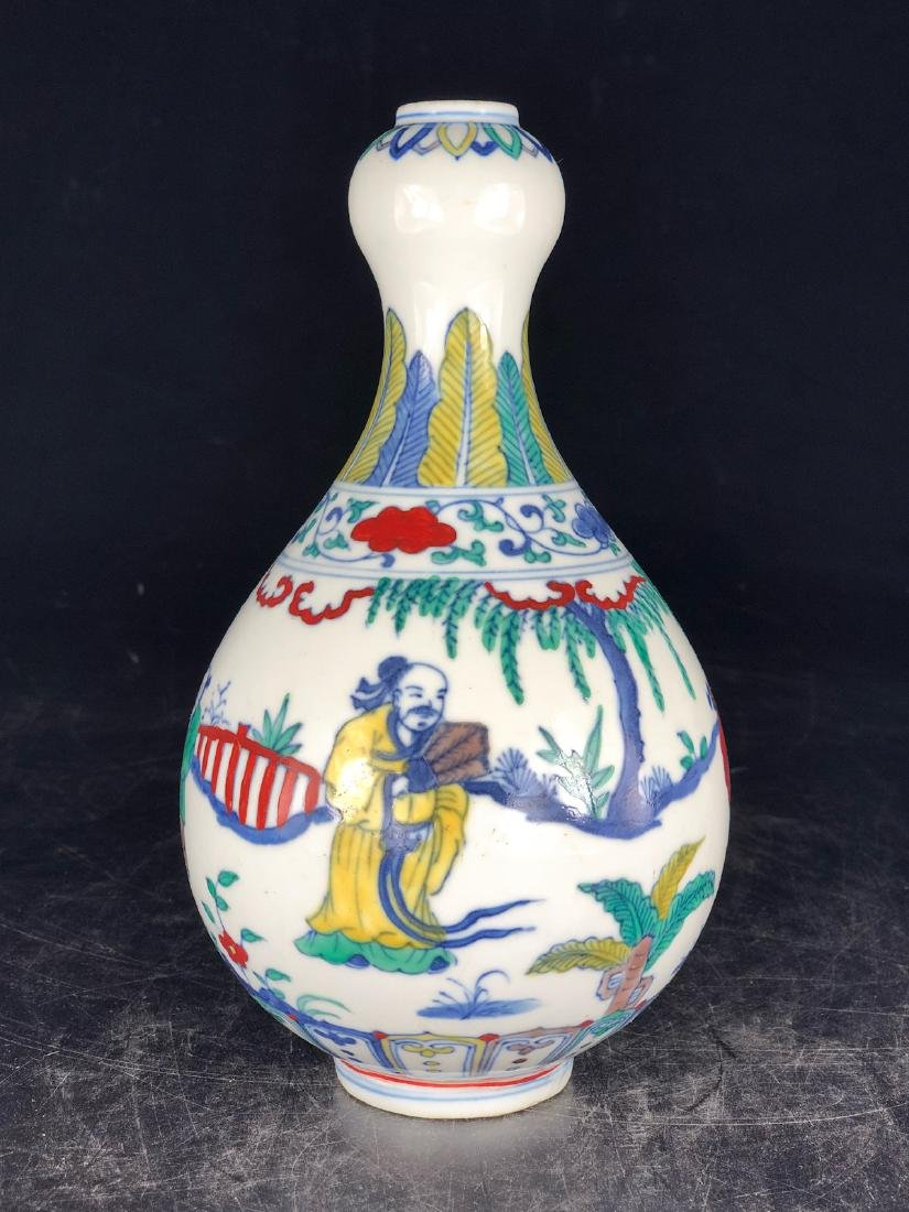 CHINESE WUCAI GARLIC HEAD VASE - 3