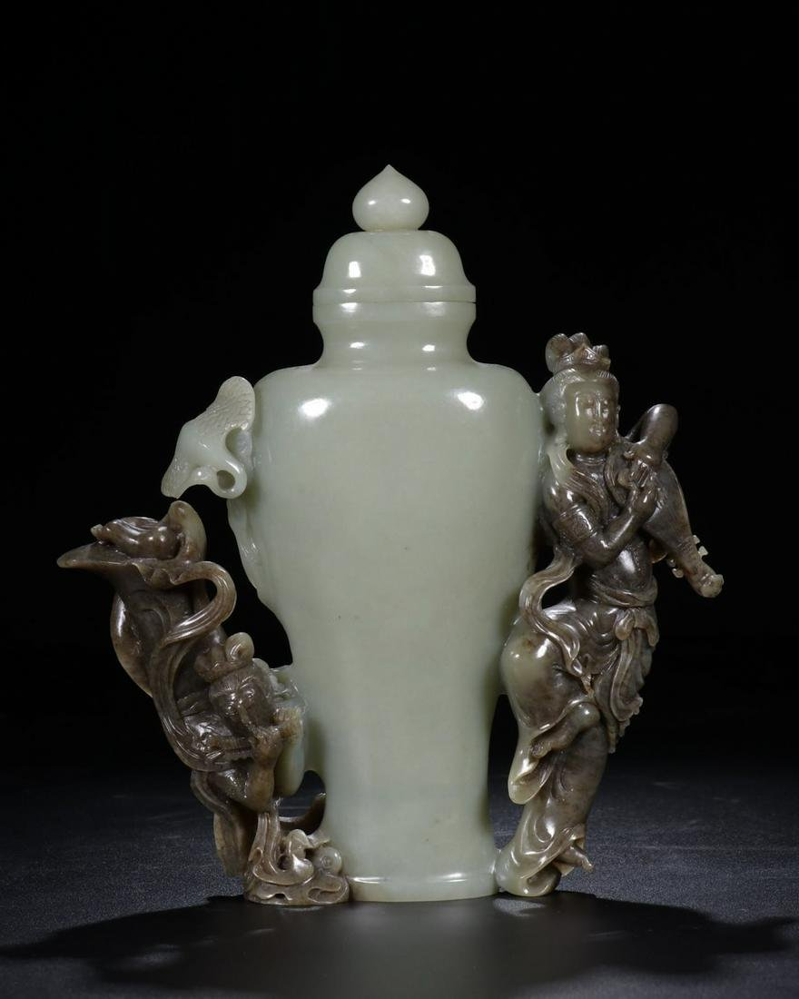 CHINESE CELADON JADE VASE WITH GUANYIN