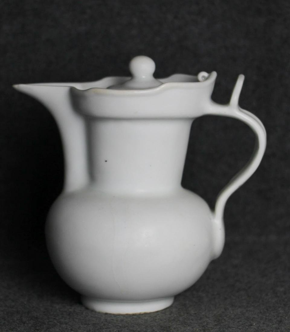CHINESE WHITE GLAZED PORCELAIN WATER PITCHER