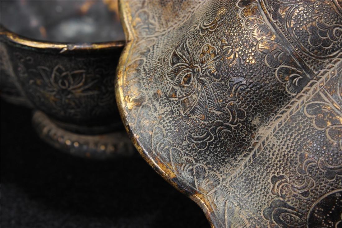 A pair of gilt copper bowl - 9
