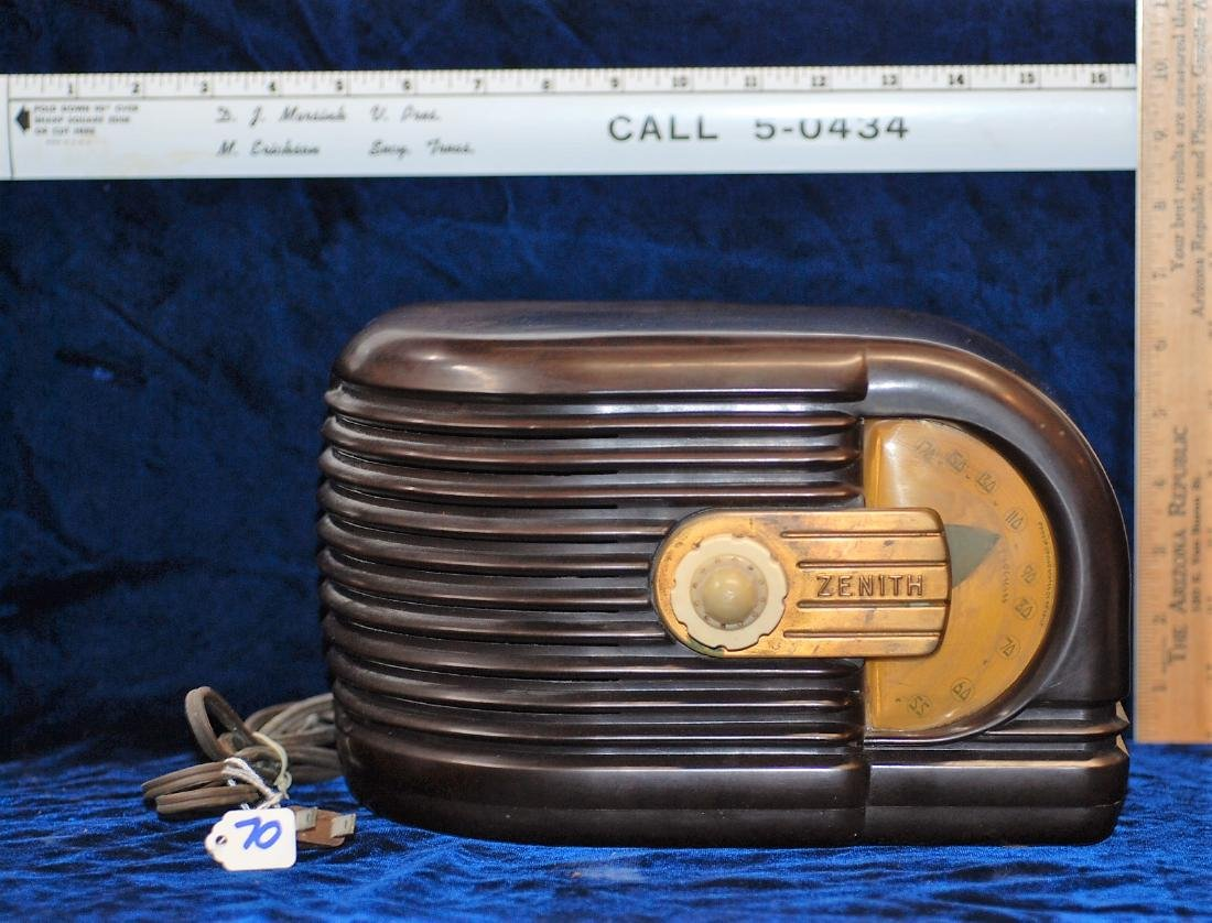 1938/39 Zenith Radio Model 6D311 with Wave Magnet
