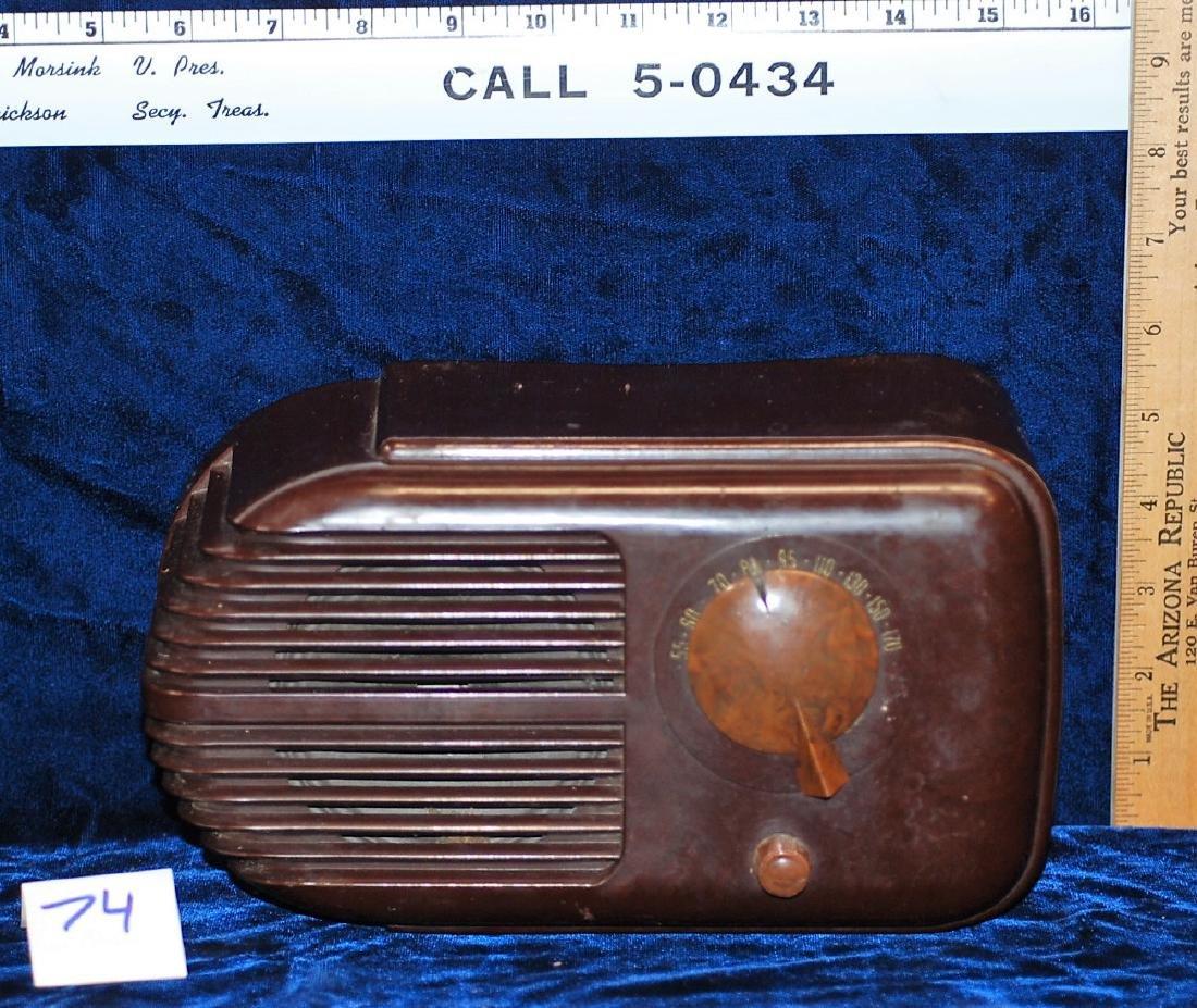 1939 Stewart Warner Campus Radio Model 07-516H