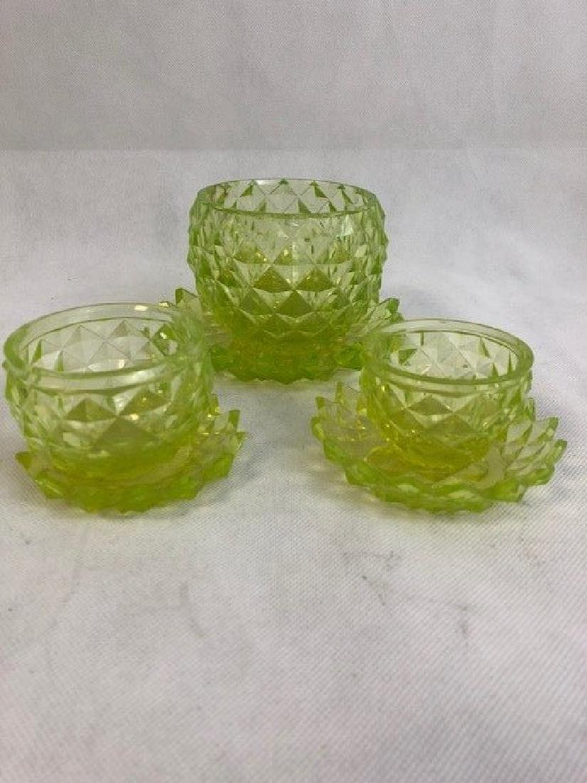 Group of uranium Vaseline Glass pieces