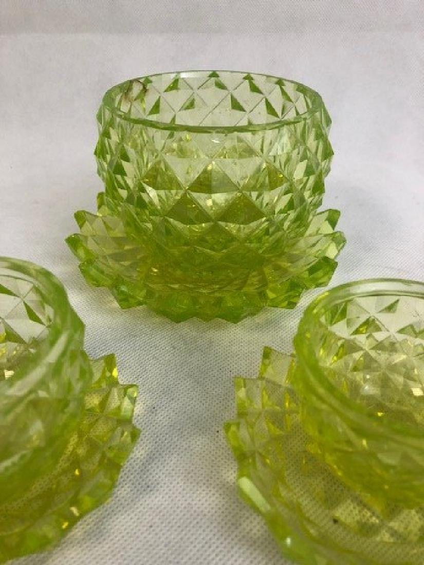 Group of uranium Vaseline Glass pieces - 2