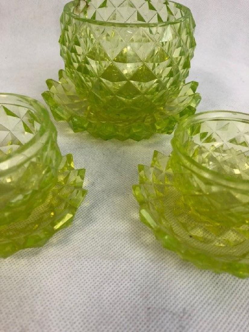 Group of uranium Vaseline Glass pieces - 3