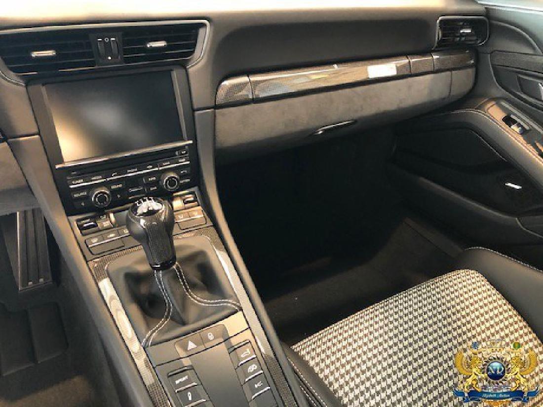 Very Rare 2016 PORSCHE 911 R - 4