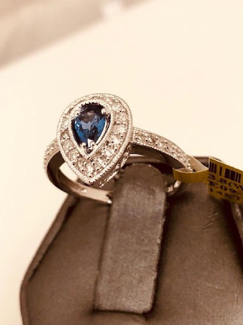 Beautiful Ladys 14k Diamond Ring - 3