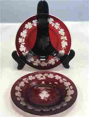 Name: Pair of bohemian ruby engraved plates Size: 15