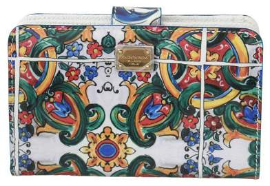 White Patent Leather Majolica Bifold Clutch Wallet