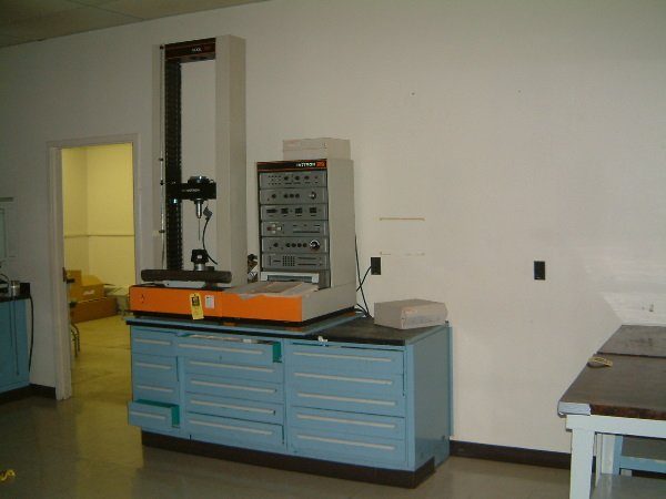 128: Lab Cabinet & Instron Tester w/all tooling