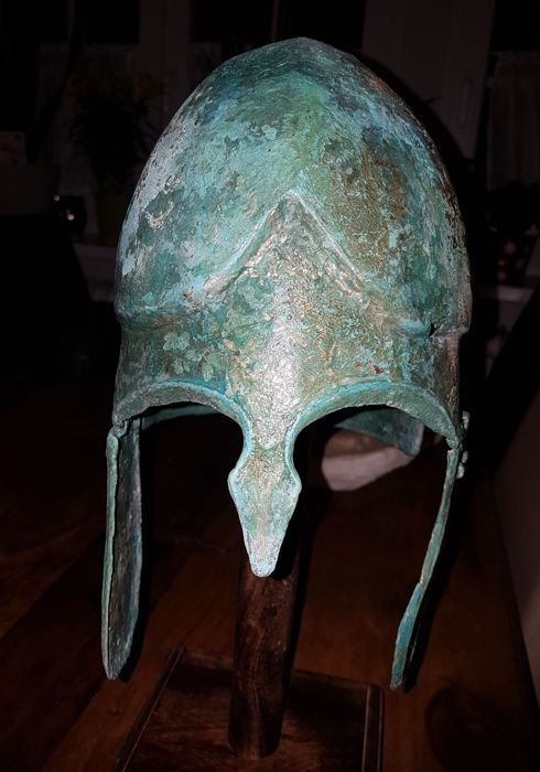 Greek Bronze helmet Chalcidician type