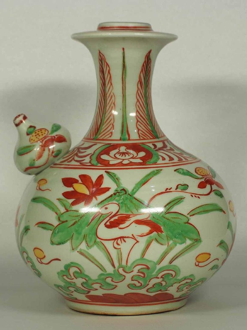 Wucai Kendi with Stork and Lotus, late Ming Dynasty - 2