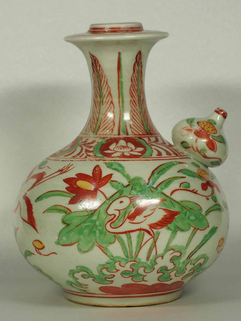 Wucai Kendi with Stork and Lotus, late Ming Dynasty - 3