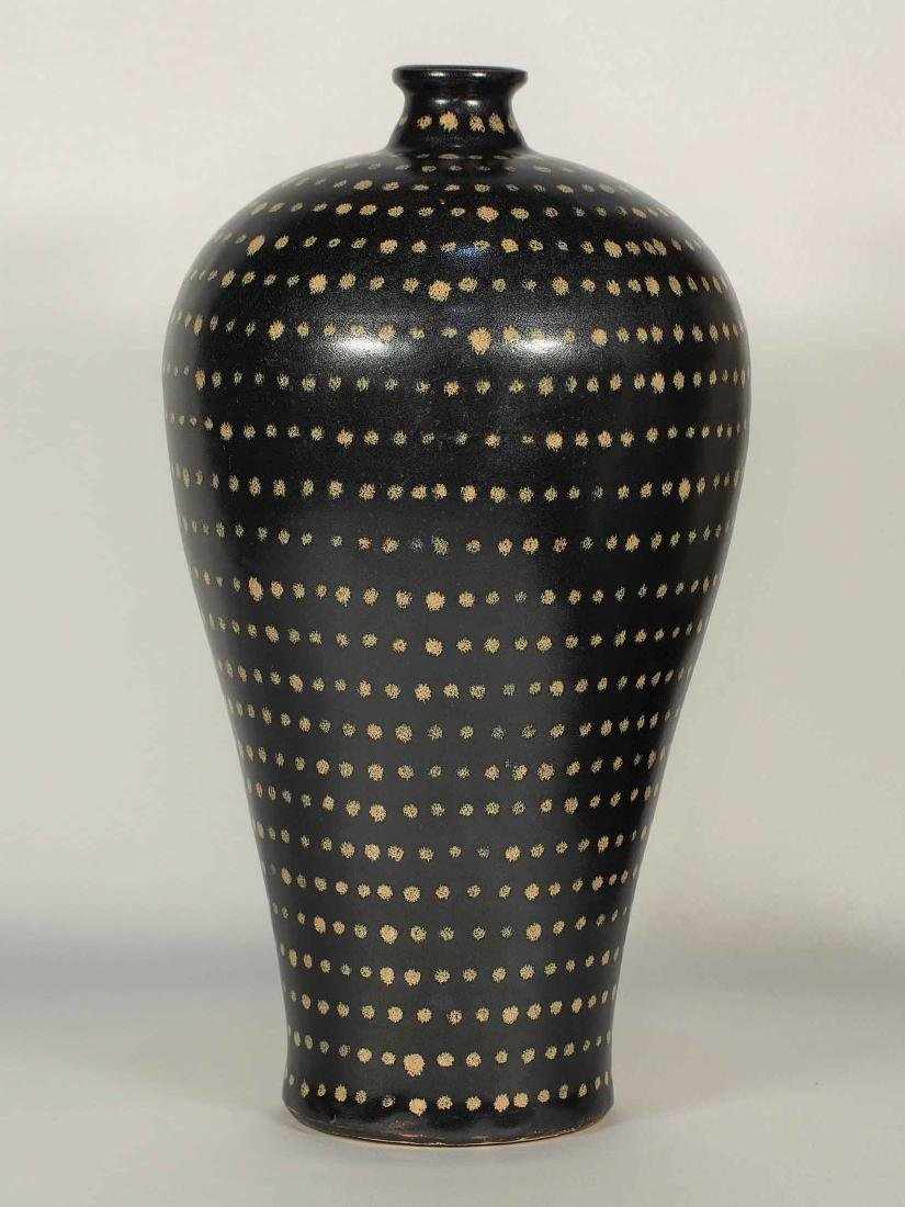 Jizhou Large Meiping with Dotted Design, Song Dynasty