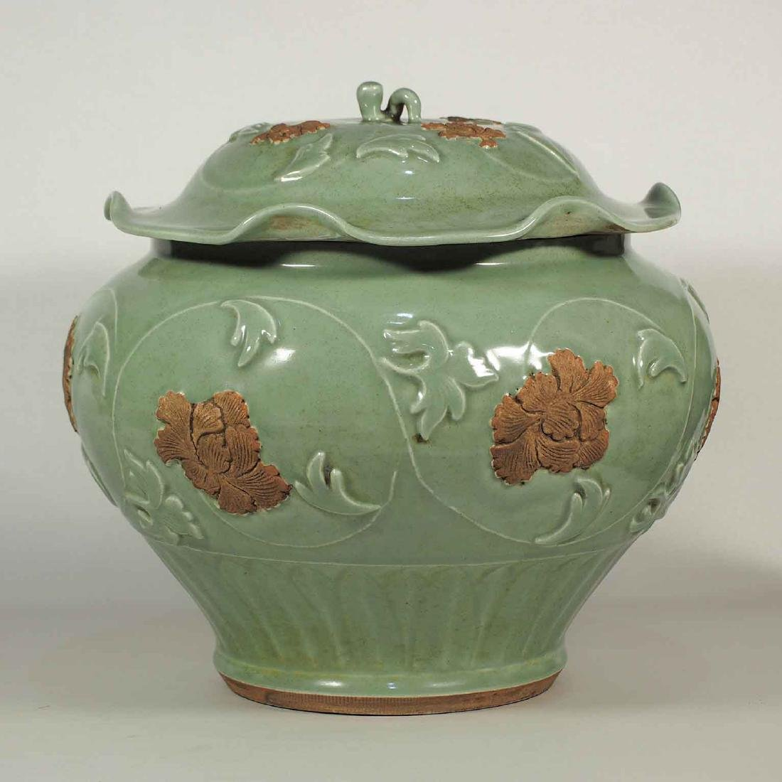 Longquan Lidded Jar with Biscuit-Decorated Peony,