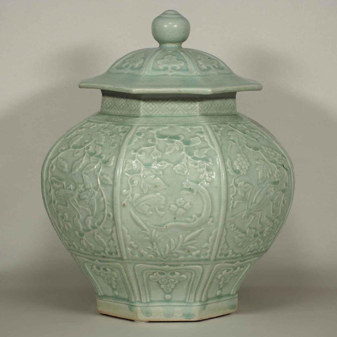 (TL) Octagonal Lidded Jar, late Yuan-early Ming Dynasty