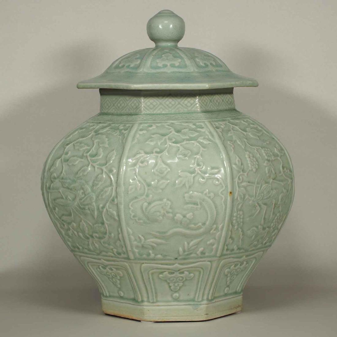 (TL) Octagonal Lidded Jar, late Yuan-early Ming Dynasty - 3
