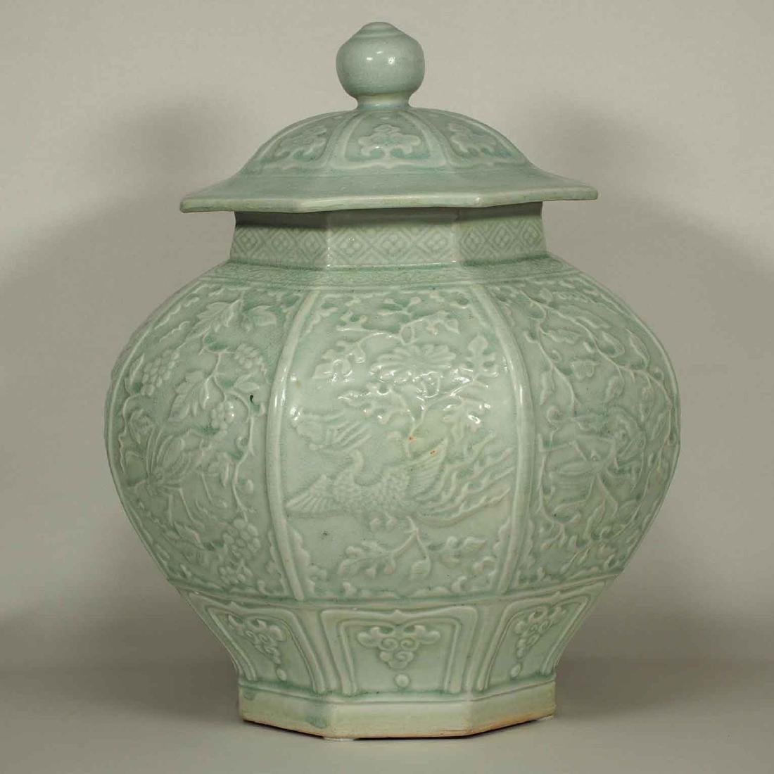 (TL) Octagonal Lidded Jar, late Yuan-early Ming Dynasty - 4