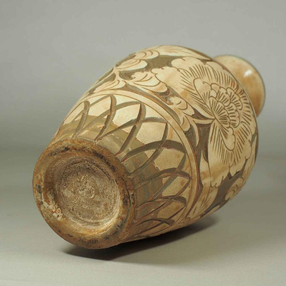 Cizhou Vase with Sgraffito Peony, Yuan Dynasty - 8