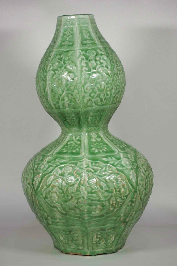 Massive Octagonal Longquan Double Gourd, early Ming - 4