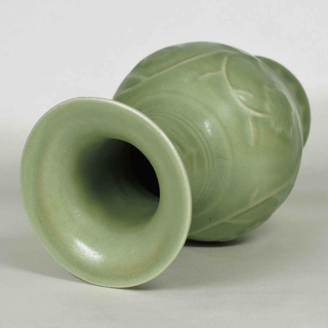 Longquan Vase with Floral Scroll, early Ming Dynasty - 5