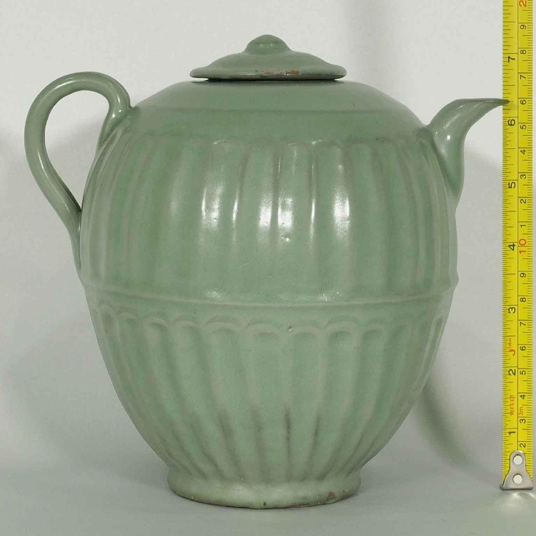 Longquan Fluted Ewer with Lid, late Southern Song - 10