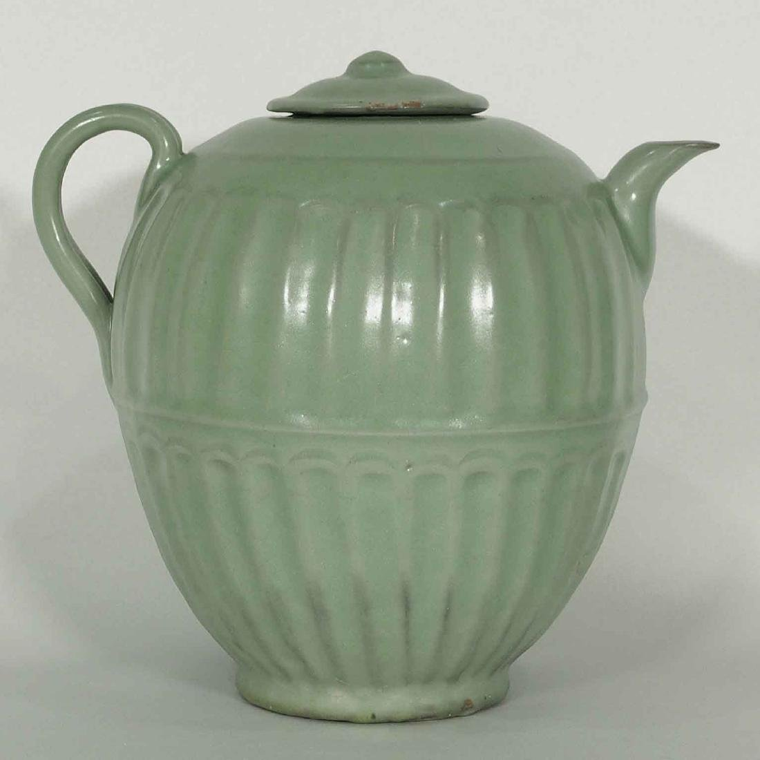 Longquan Fluted Ewer with Lid, late Southern Song