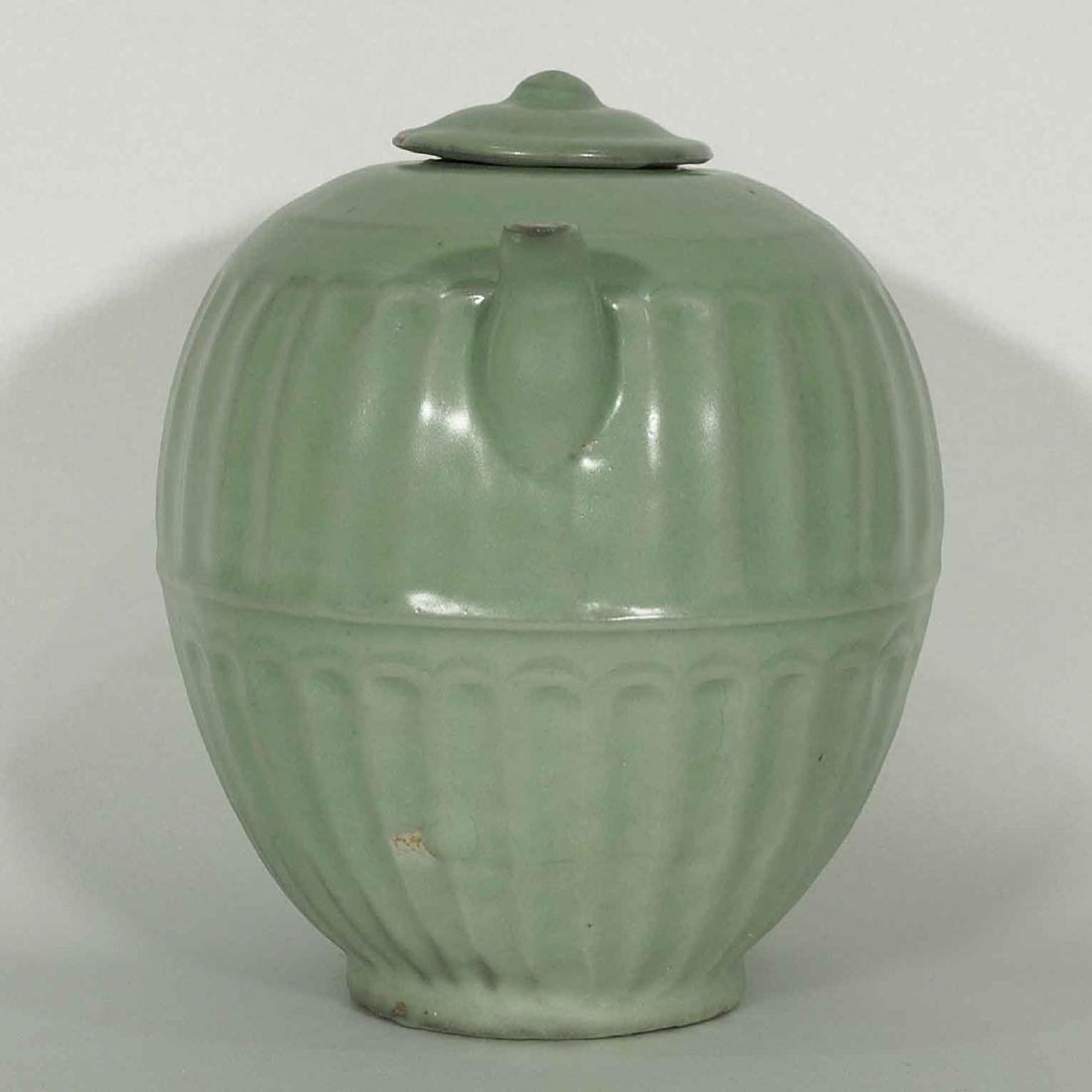 Longquan Fluted Ewer with Lid, late Southern Song - 3
