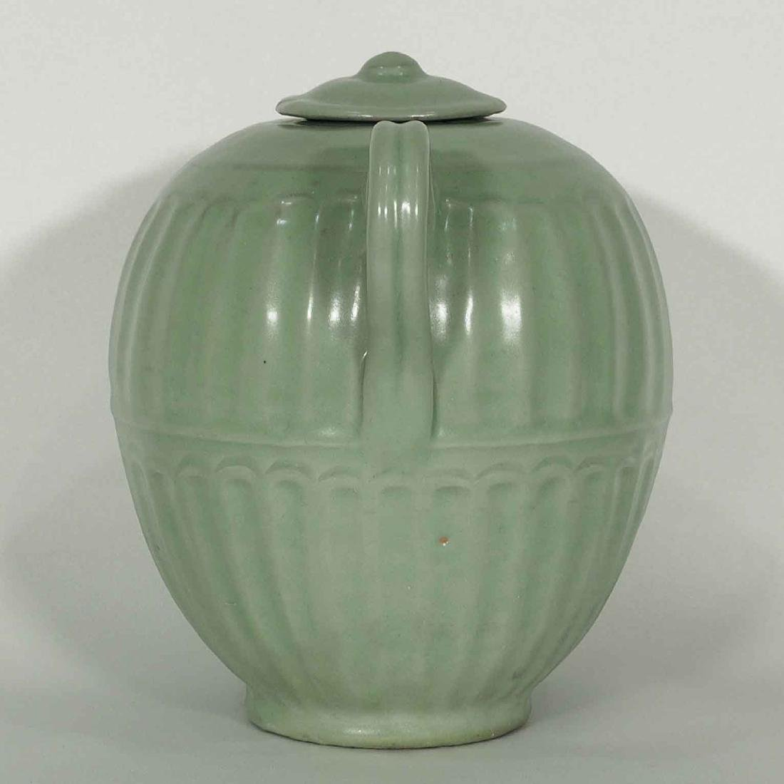 Longquan Fluted Ewer with Lid, late Southern Song - 4