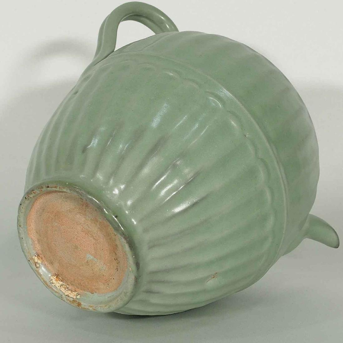 Longquan Fluted Ewer with Lid, late Southern Song - 8