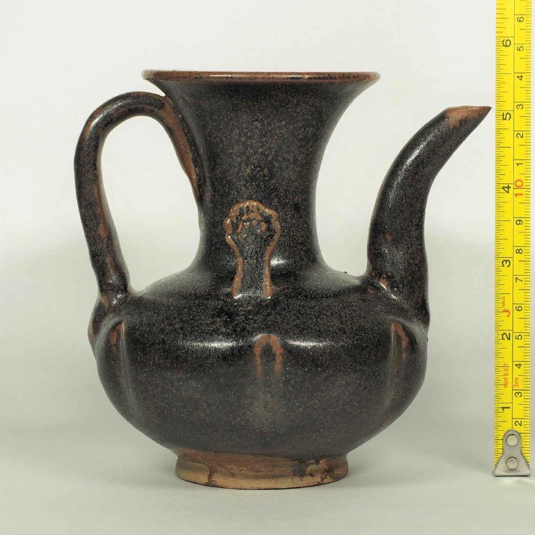 Black glaze ewer, Song Dynasty. Lobbed Ewer - 10