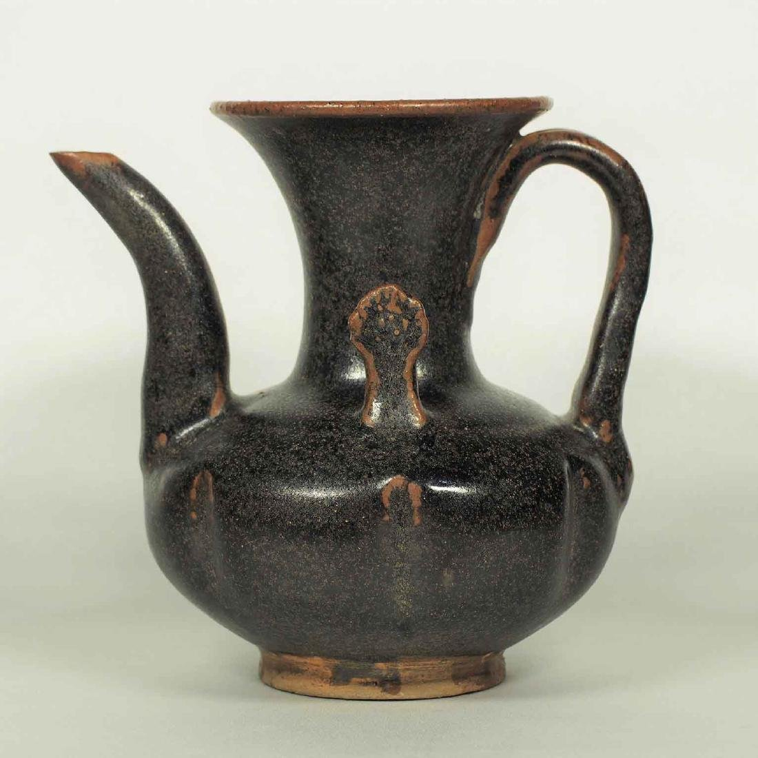 Black glaze ewer, Song Dynasty. Lobbed Ewer - 3
