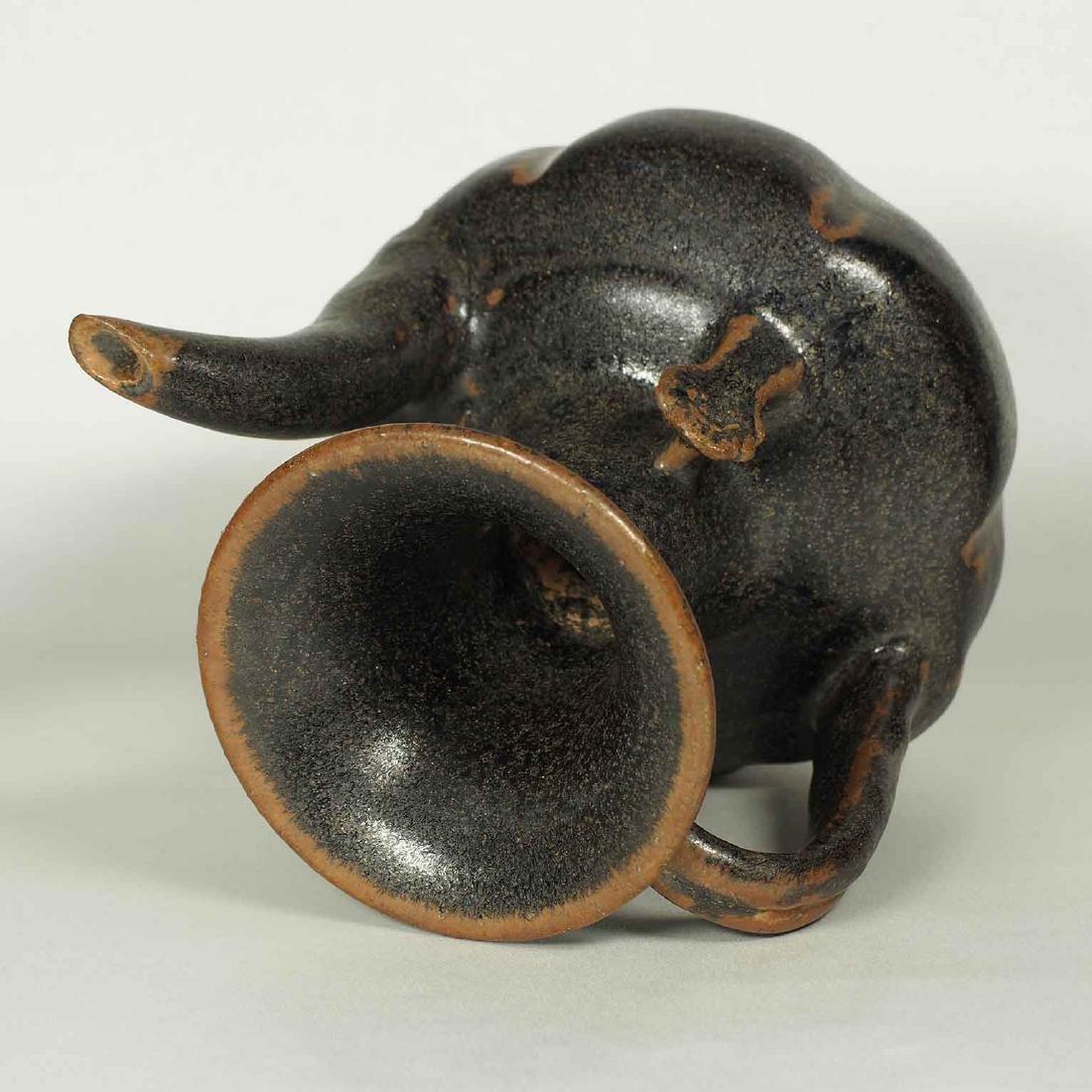 Black glaze ewer, Song Dynasty. Lobbed Ewer - 7