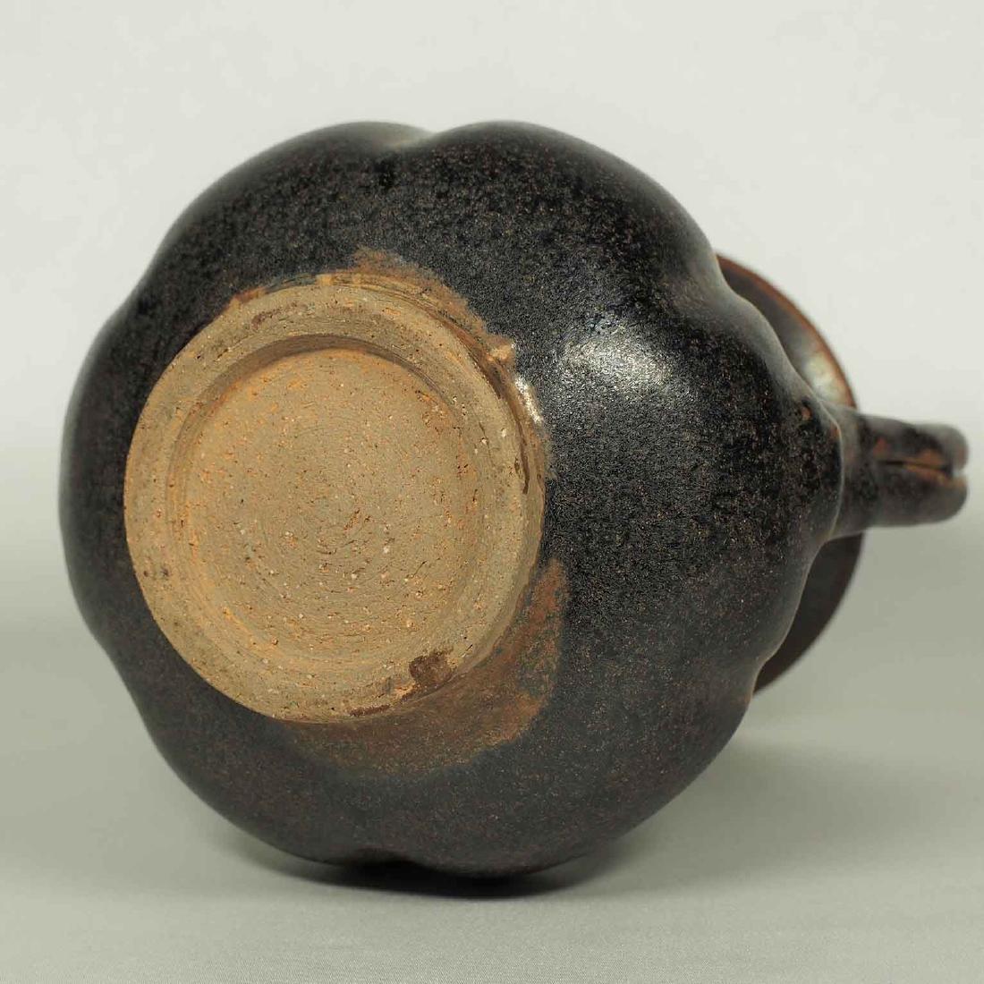 Black glaze ewer, Song Dynasty. Lobbed Ewer - 8