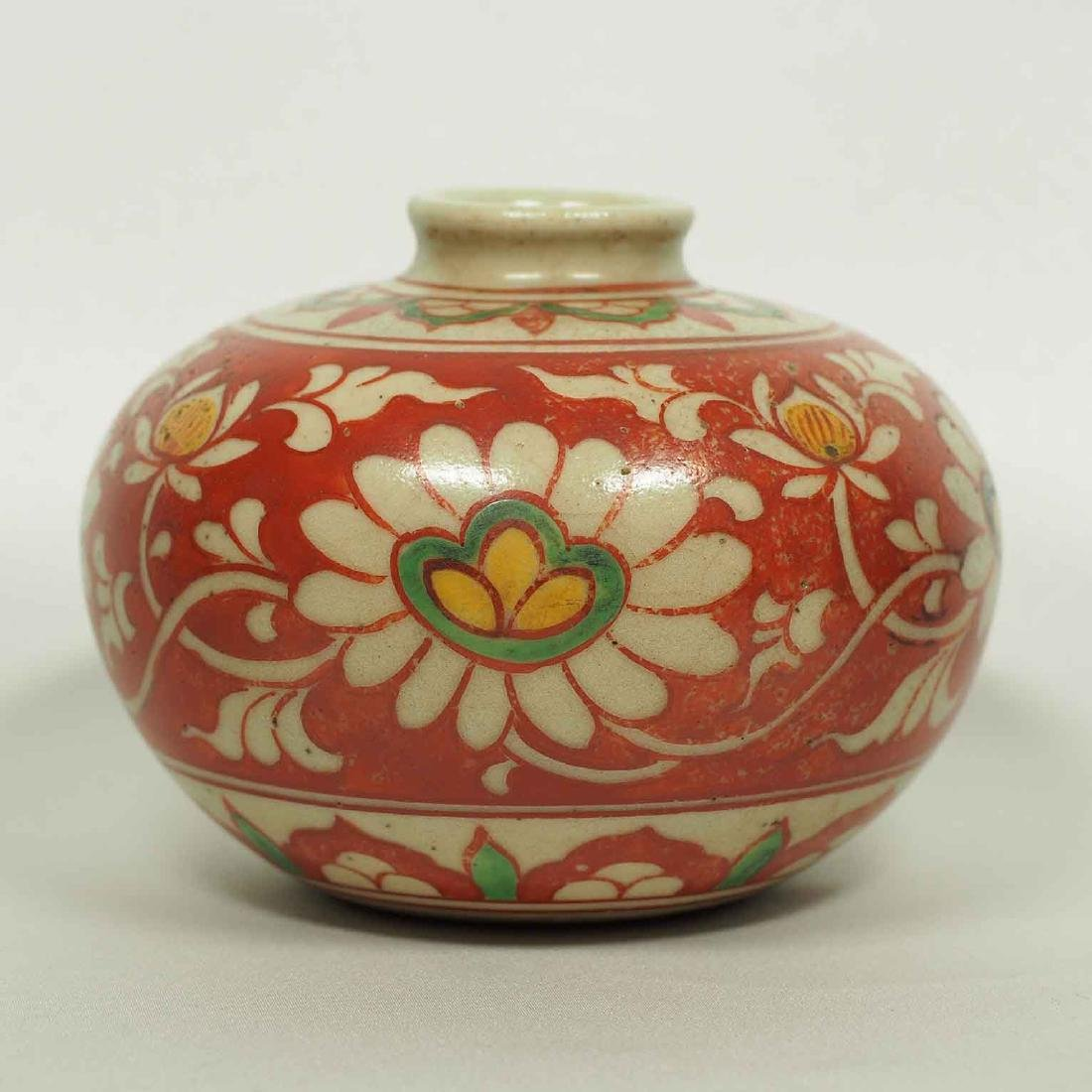 Large Wucai Jarlet with Floral Scroll Design, late Ming
