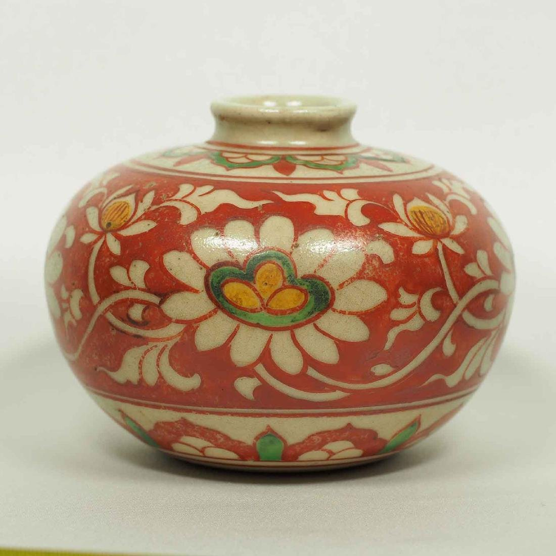 Large Wucai Jarlet with Floral Scroll Design, late Ming - 4