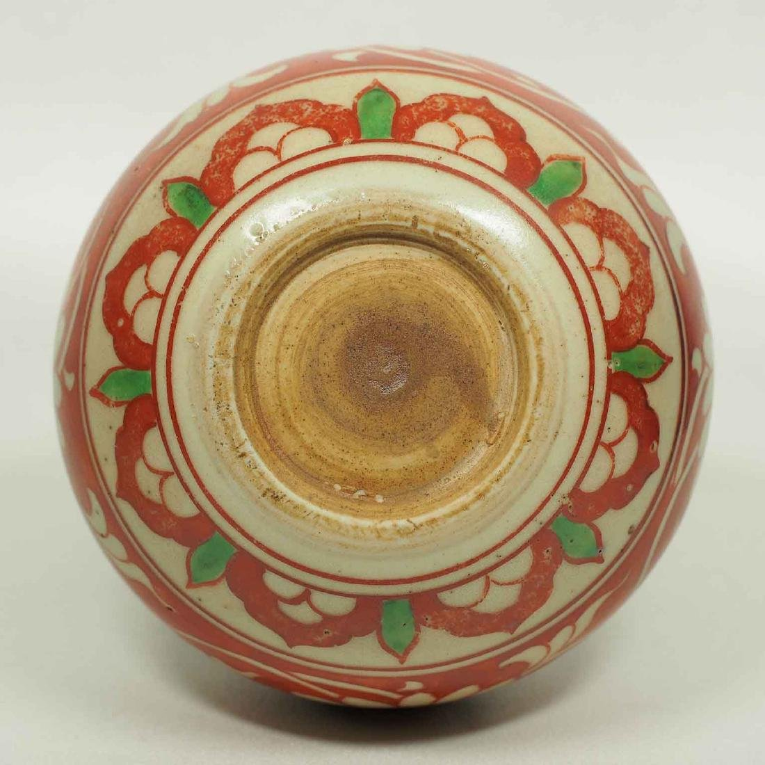 Large Wucai Jarlet with Floral Scroll Design, late Ming - 6