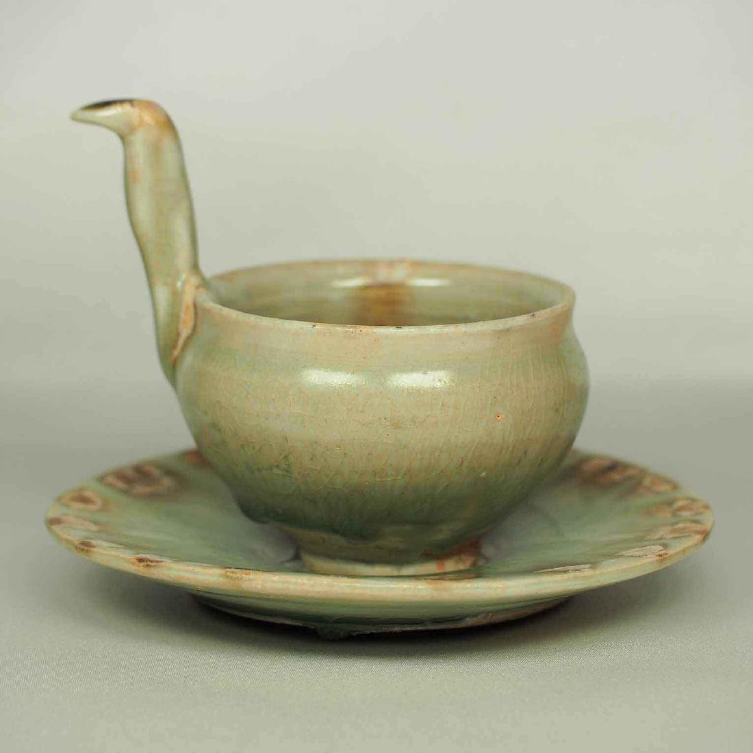 Spoon and Saucer with Incised Lotus, Eastern Jin - 3